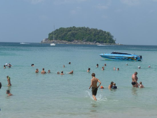 Kata Beach: crystal clear water