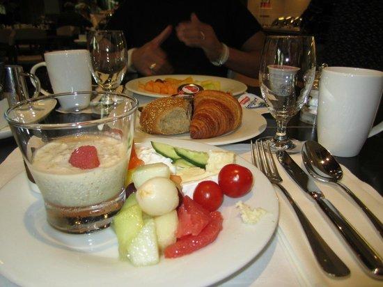Hilton Amsterdam: Frühstück