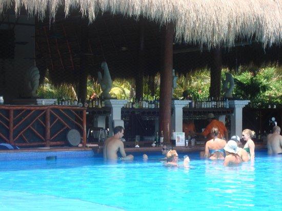 El Dorado Royale, by Karisma: Pool Bar