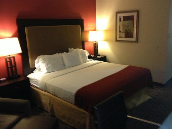 Holiday Inn Express Los Angeles-LAX Airport : Room