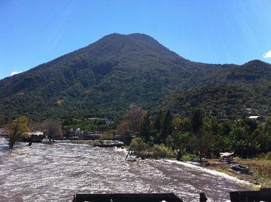 Mikaso Hotel Resto: San Pedro Volcano