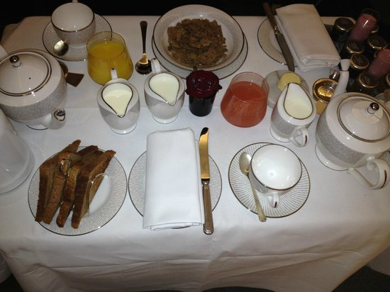 The Connaught: Crowded in-room continental breakfast for 2