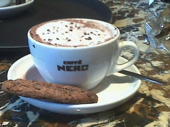 Caffe Nero: Hot Chocolate & biscuit