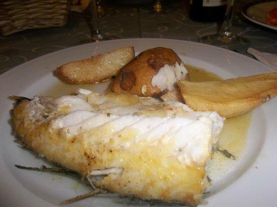 El Capitán - Restaurante: Peixa assado, uma delicia!