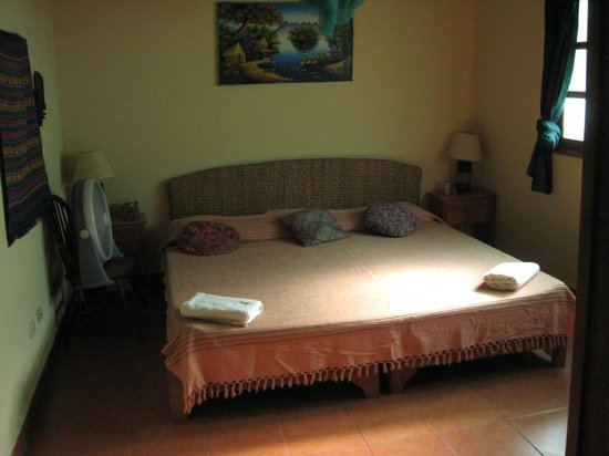 The Secret Cove Inn: Room #3