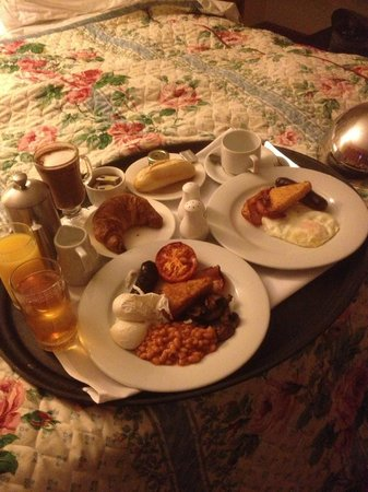 Best Western Red Lion Hotel: Gorgeous room service breakfast