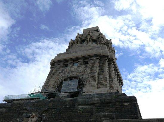 Volkerschlachtdenkmal: Das Denkmal ist 91 Meter hoch