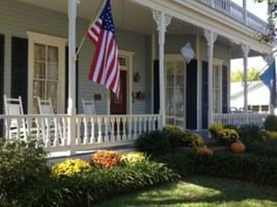 Maison Louisiane Historic Bed and Breakfast