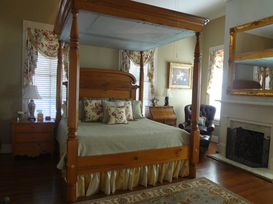 Maison Louisiane Historic Bed and Breakfast: Claiborne Room
