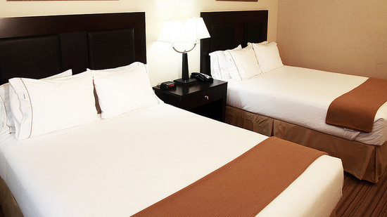 Holiday Inn Express Hotel & Suites Shreveport West: Two Queens beds for up to 4 People