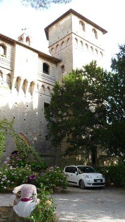 Castello delle Quattro Torra: Hotel
