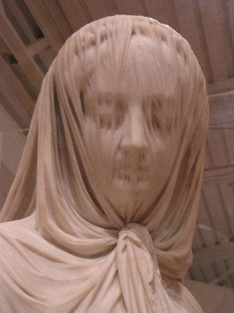 Museo Soumaya: Salvi - Lady with Veil