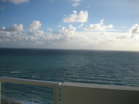 Design Suites Miami Beach: view from balcony
