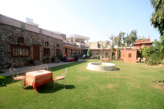 Rajasthan Palace Hotel: Garden View