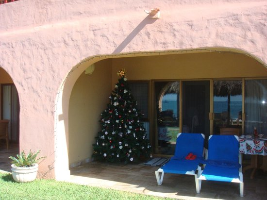 Torres Mazatlan Resort: Visitor's Christmas tree