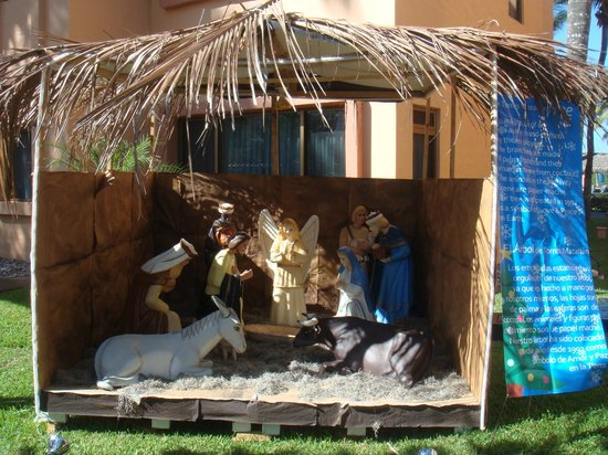 Torres Mazatlan Resort: Christmas display