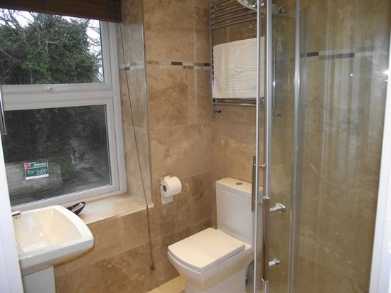 Rooftree Hotel: New Bathrooms