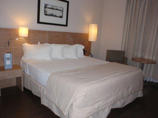 Eurostars Lucentum : Habitación - zona cama