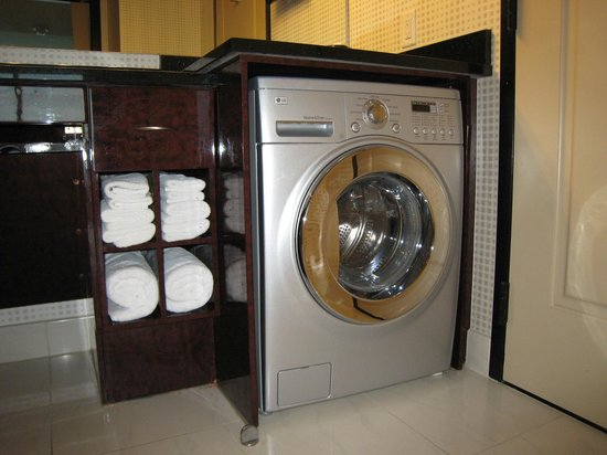 Elara by Hilton Grand Vacations: washer dryer