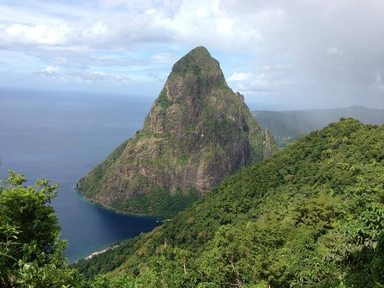 Kleiner Piton vom Tet Paul Nature Trail