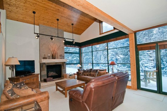 Ski Tip Townhomes: A Ski Tip town home that backs to White River National Forest
