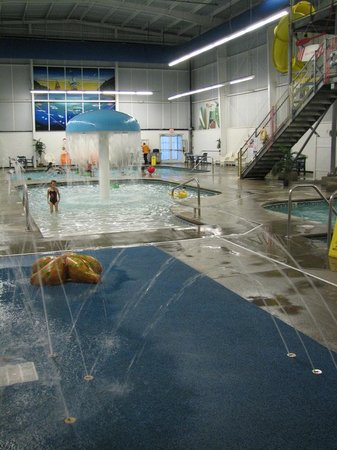 "‪‪Resort at Governor's Crossing‬: Indoor ""water park""‬"