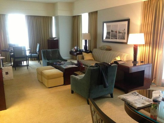 The Ritz-Carlton, Charlotte: Executive Suite Livingroom