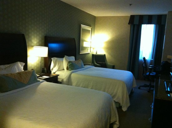 Hilton Garden Inn Toronto City Centre: Spacious room!