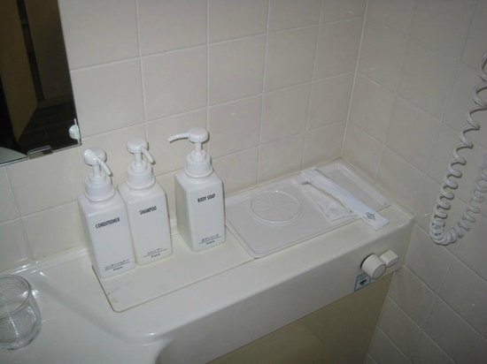 Viainn Asakusa: bathroom amenities