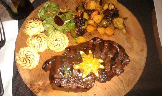 Calico Jack Restaurant & Bar: Lovely steak!