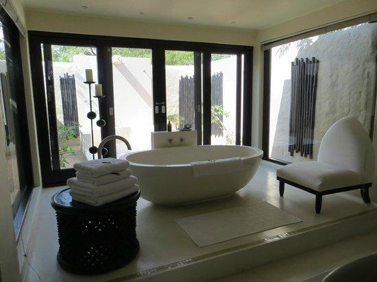 Lion Sands Ivory Lodge: bath