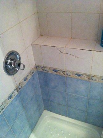 Hotel della Torre: doccia