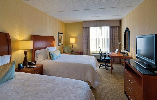 Hilton Garden Inn Lakewood: Double Room with Queen Beds