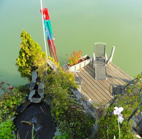 Duck Inn: Private Dock for guests