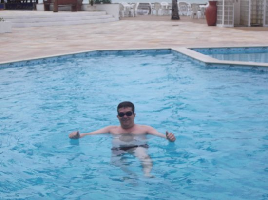 Saint Tropez Praia Hotel: A piscina é demais