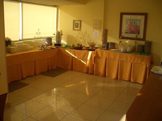 Imperio Suites: Buffet do café da manhã