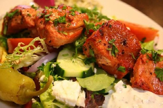 Jasmine's by the Sea: Greek Salad with Chicken