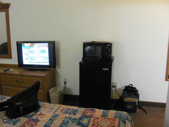 Red Roof Inn Ocala: Flat screen, microwave, refrigerator