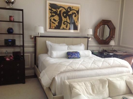 Glenmere Mansion: room 5
