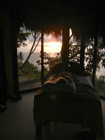 Anamaya Resort & Retreat Center : wake up to an ocean sunrise