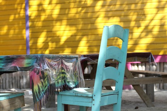 Aurora's Grill: More cute outdoor seating