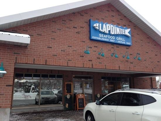 Lapointe's Seafood Grill: great seafood place... don't let the mini-mall facade fool you!