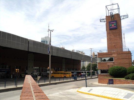 Hotel Tres Cruces: Vista do terminal.
