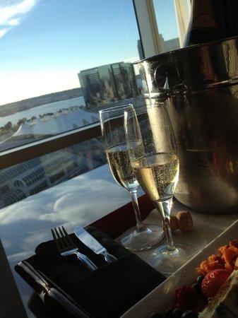 Omni San Diego Hotel: Champagne at the Omni.