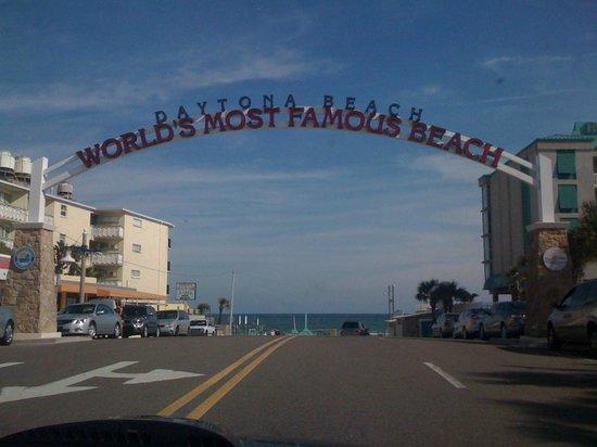 Holiday Inn Daytona Beach LPGA Boulevard: Not too far from famous Daytona Beach!