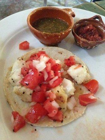 El Tabano: fish tacos (3 per order)