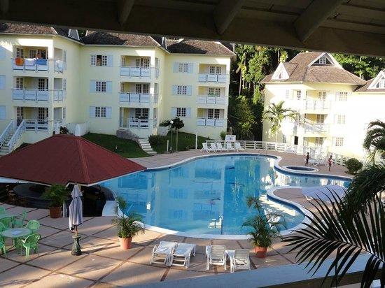 Mystic Ridge Resort: Nice pool view