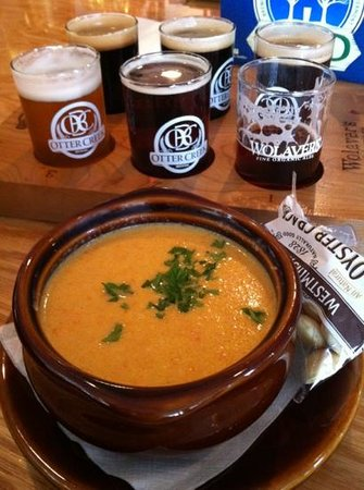 Fire & Ice : Passable but gritty cheddar ale soup