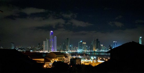 Las Clementinas Hotel: View of downtown Panama City from the rooftop