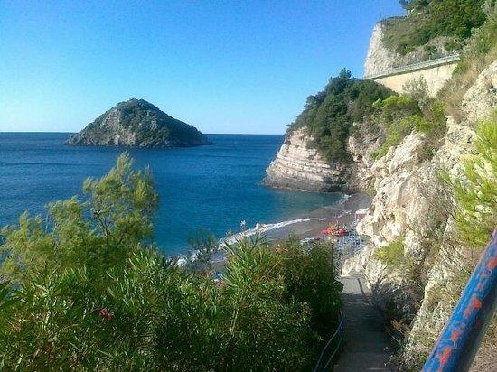 Bergeggi, Itália: Spiaggia lido delle sirene